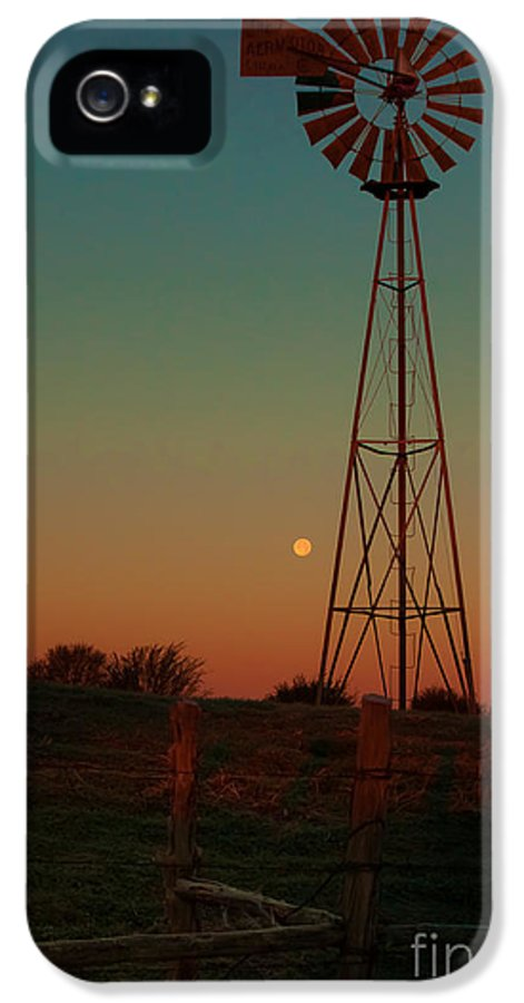 Southwest IPhone 5 / 5s Case featuring the photograph Southwest Morning by Robert Frederick