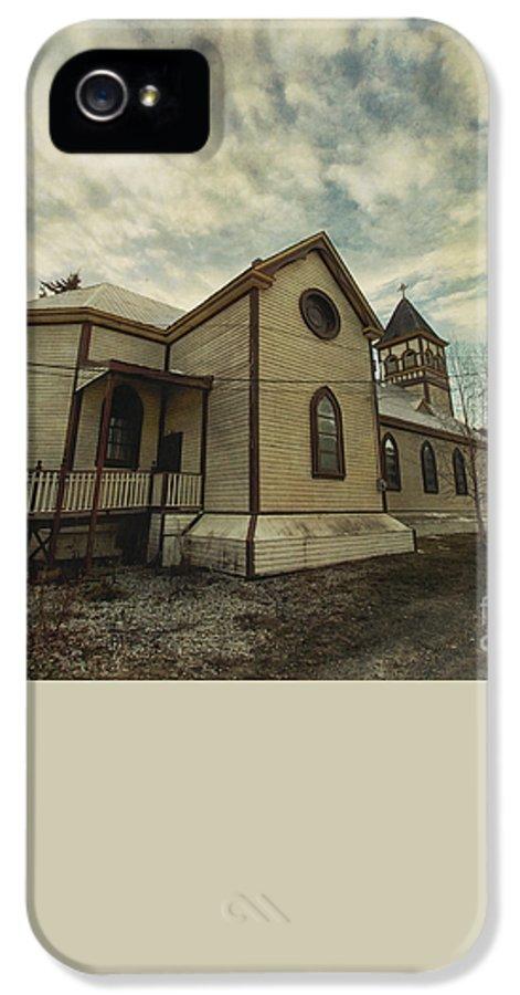 St. Pauls Anglican Church IPhone 5 / 5s Case featuring the photograph St. Pauls Anglican Church by Priska Wettstein