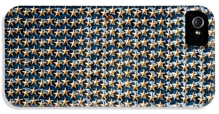 Arlington Cemetery IPhone 5 / 5s Case featuring the photograph Stars by Greg Fortier