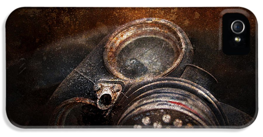 Hdr IPhone 5 / 5s Case featuring the photograph Steampunk - Doomsday by Mike Savad