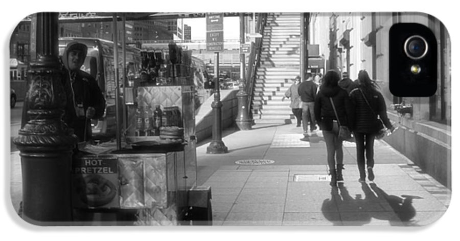 Street Vendor And Stairs In New York City IPhone 5 / 5s Case featuring the photograph Street Vendor And Stairs In New York City by Dan Sproul