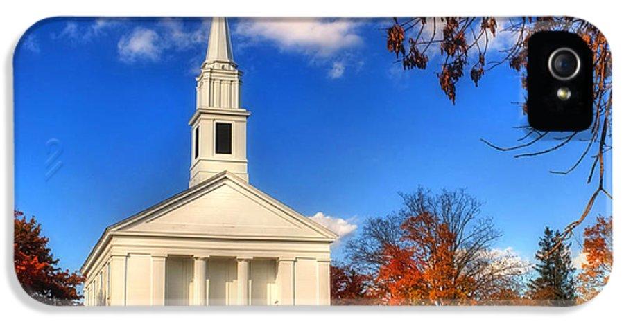 Sturbridge IPhone 5 / 5s Case featuring the photograph Sturbridge Church In Autumn by Joann Vitali