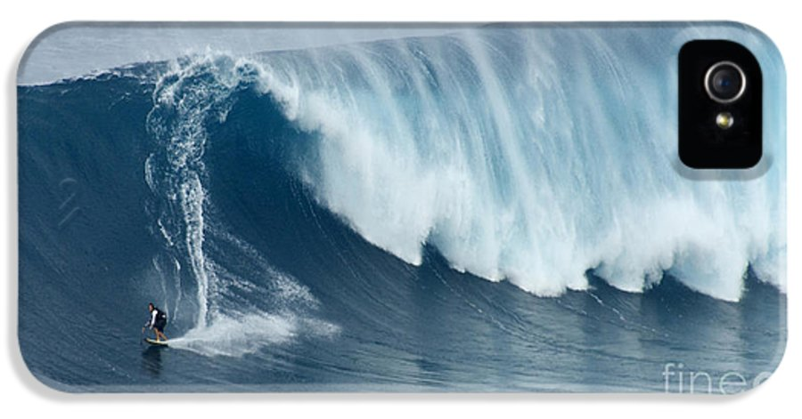 Surf IPhone 5 / 5s Case featuring the photograph Surfing Jaws 5 by Bob Christopher