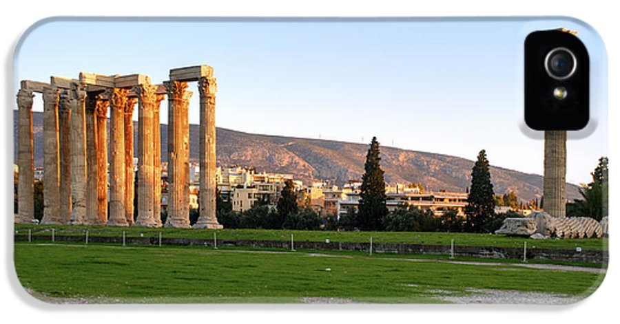 The Past IPhone 5 / 5s Case featuring the photograph Temple Of Olympian Zeus. Athens by Ilan Rosen
