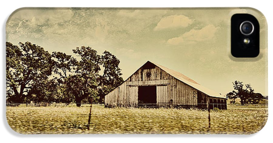 Old Barns IPhone 5 / 5s Case featuring the photograph The Barn 2 by Cheryl Young