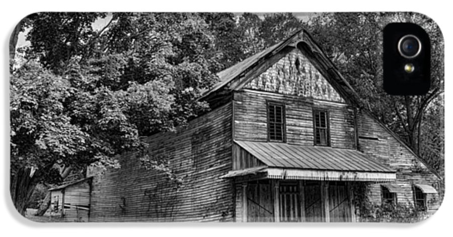 Dilapidated IPhone 5 / 5s Case featuring the photograph The Local Haunted House by Heather Applegate