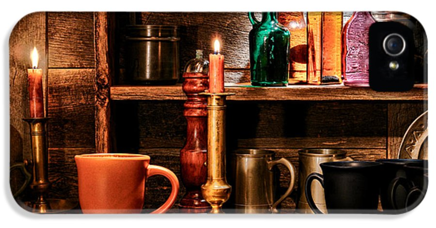 Tavern IPhone 5 / 5s Case featuring the photograph The Old Tavern by Olivier Le Queinec
