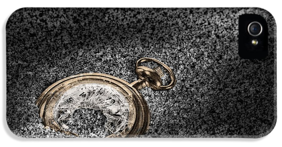 Pocket Watch IPhone 5 / 5s Case featuring the photograph The Sands Of Time by Tom Mc Nemar