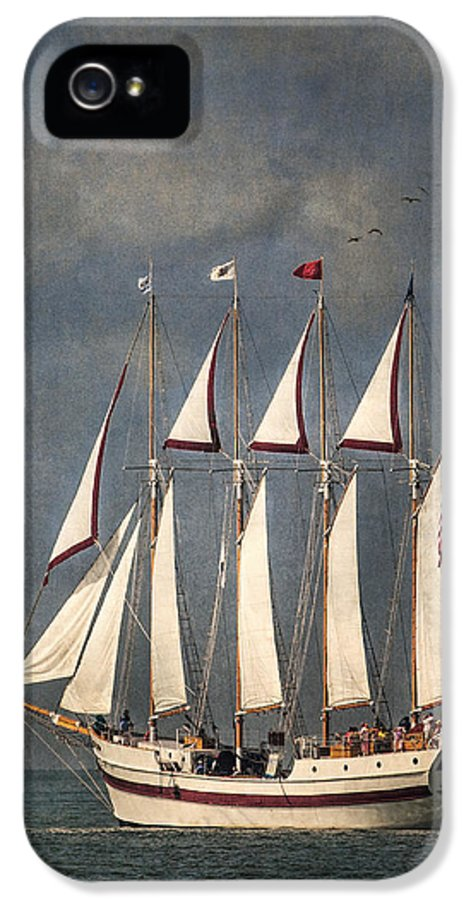 Windy IPhone 5 / 5s Case featuring the photograph The Tall Ship Windy by Dale Kincaid