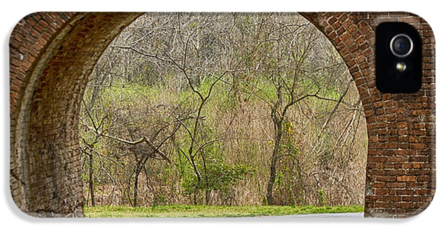 Train Trestle IPhone 5 / 5s Case featuring the photograph Tunnel Vision by Anne Rodkin