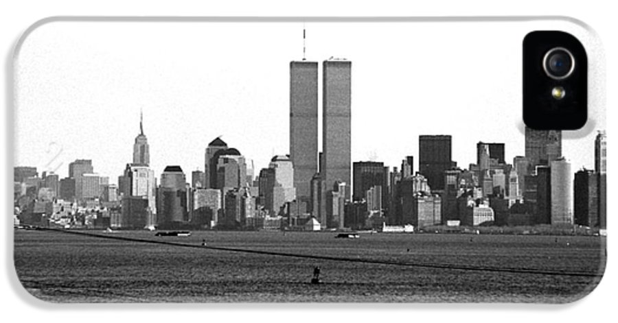 Twin Towers From Staten Island IPhone 5 / 5s Case featuring the photograph Twin Towers From Staten Island by John Rizzuto