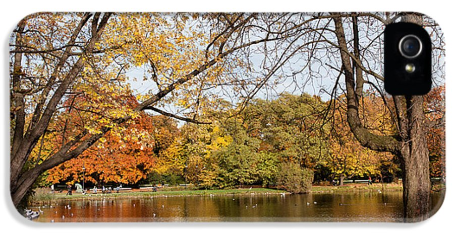 Pond IPhone 5 / 5s Case featuring the photograph Ujazdowski Park In Warsaw by Artur Bogacki