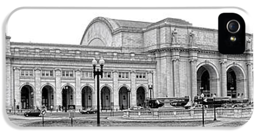 Washington IPhone 5 / 5s Case featuring the photograph Union Station Washington Dc by Olivier Le Queinec