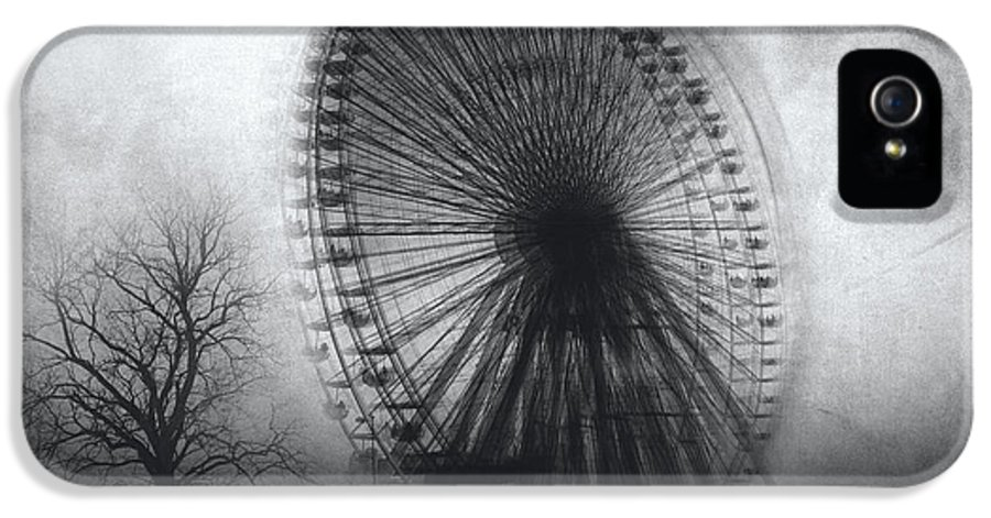 Black And White IPhone 5 / 5s Case featuring the photograph Vertigo by Taylan Soyturk