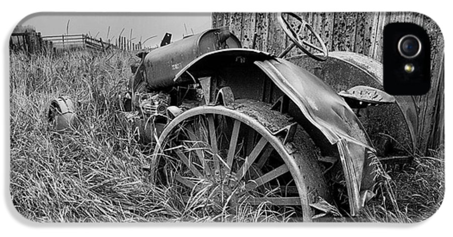 Massey Ferguson IPhone 5 / 5s Case featuring the photograph Vintage Farm Tractor by Theresa Tahara