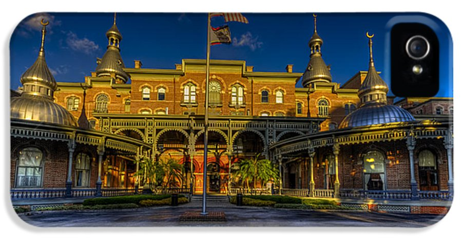 Plant Museum IPhone 5 / 5s Case featuring the photograph West Entry 2 by Marvin Spates