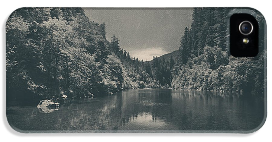 Eel River IPhone 5 / 5s Case featuring the photograph When I Felt Your Heart Beat With Mine by Laurie Search