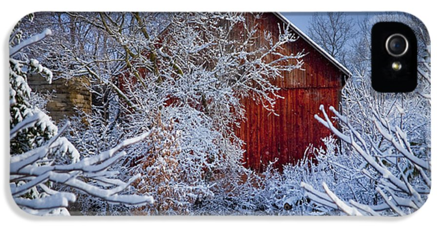 Barns IPhone 5 / 5s Case featuring the photograph Winter Warmth by Jeff Klingler