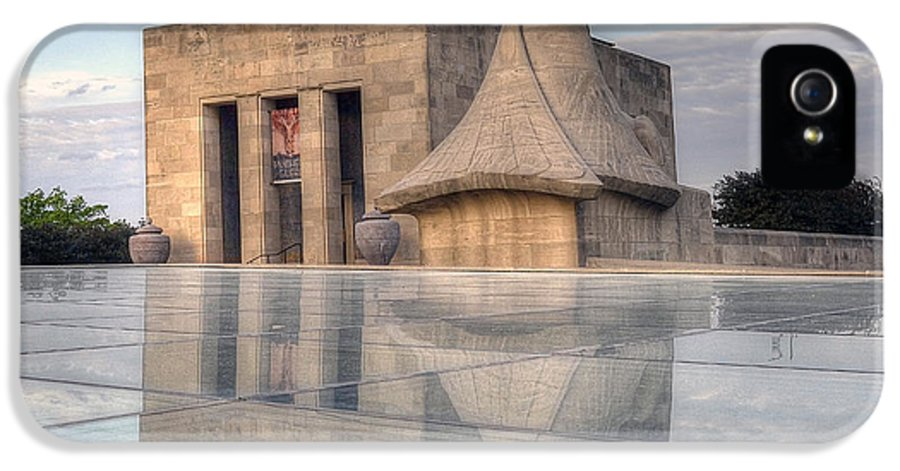 Wwi Museum  IPhone 5 / 5s Case by Lisa Plymell