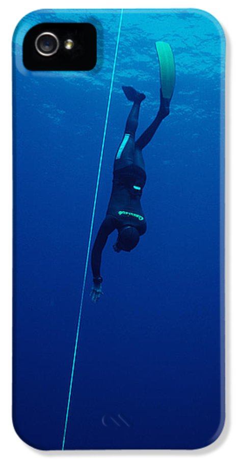 Move Movement Moving IPhone 5 / 5s Case featuring the photograph Free-diving Competitor by Alexis Rosenfeld