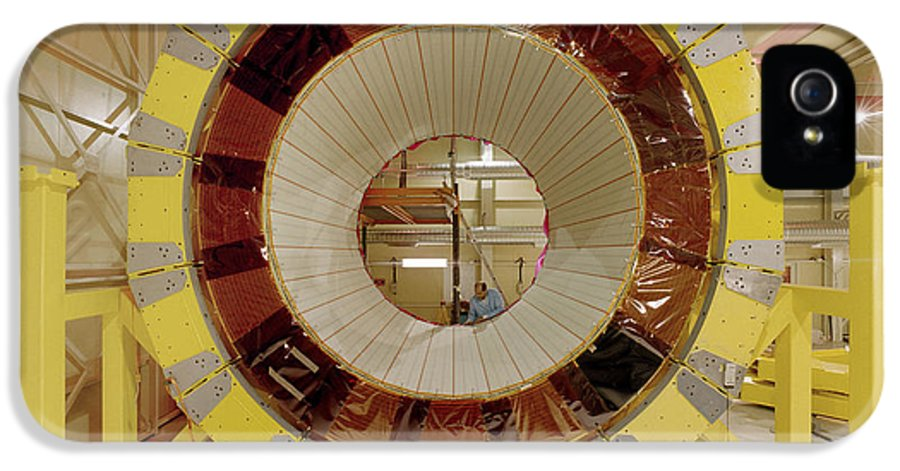 Cern IPhone 5 / 5s Case featuring the photograph Atlas Detector Module by David Parker