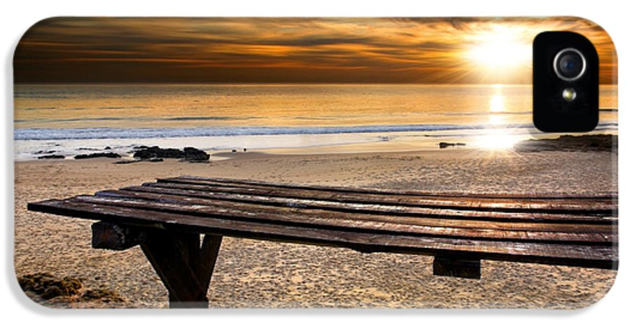 Abstract IPhone 5 / 5s Case featuring the photograph Carcavelos Beach by Carlos Caetano