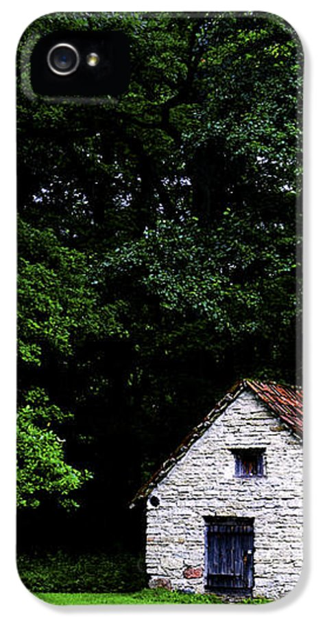 Architecture IPhone 5 / 5s Case featuring the photograph Cottage In The Woods by Fabrizio Troiani