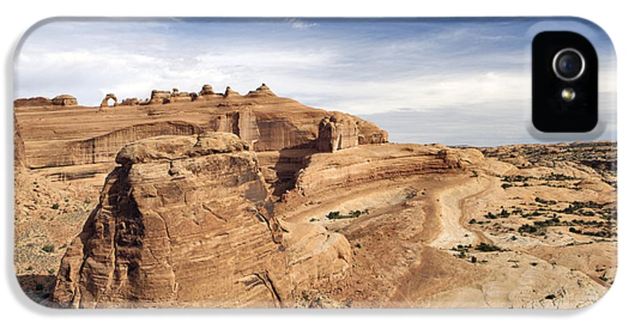 Viewpoint IPhone 5 / 5s Case featuring the photograph Delicate Arch Viewpoint - D004091 by Daniel Dempster