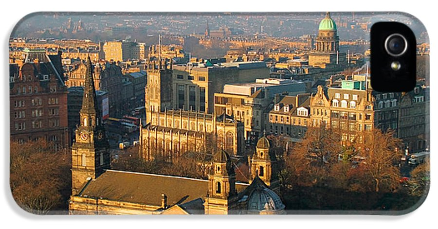 Edinburgh IPhone 5 / 5s Case featuring the photograph Edinburgh On A Winter's Day by Christine Till