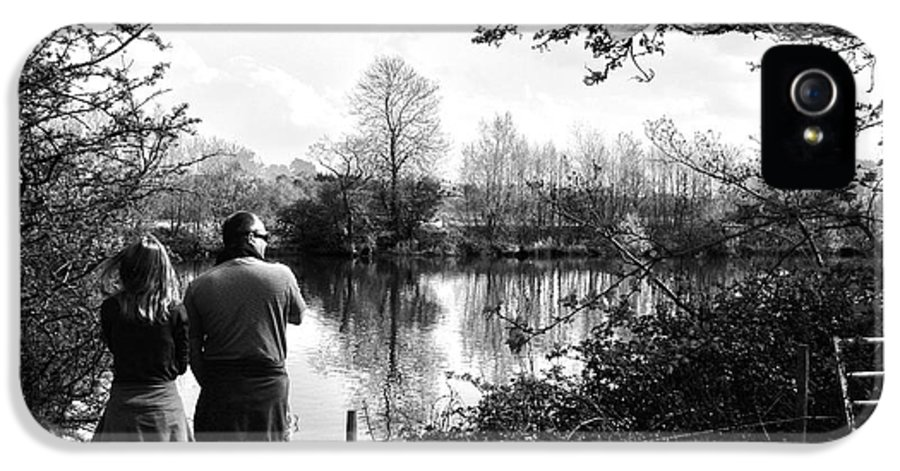 River Dee IPhone 5 / 5s Case featuring the photograph Father And Daughter - River Dee Chester by Georgia Fowler