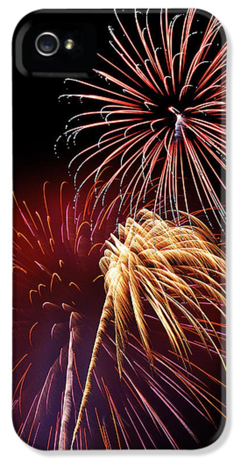 Fireworks IPhone 5 / 5s Case featuring the photograph Fireworks Wixom 3 by Michael Peychich