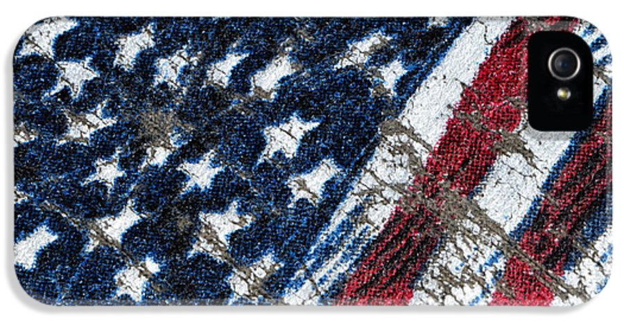Grand Old Flag IPhone 5 / 5s Case featuring the photograph Grand Ol' Flag by Bill Owen
