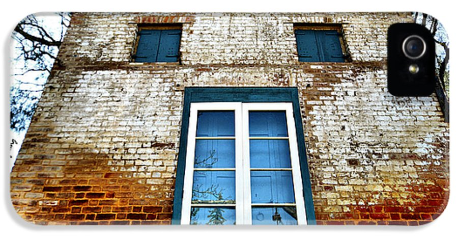 Historic California Buildings IPhone 5 / 5s Case featuring the photograph If Bricks Could Talk by Cheryl Young