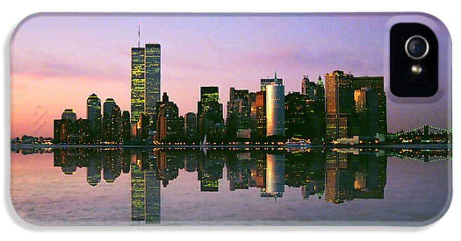 Nyc IPhone 5 / 5s Case featuring the photograph Reflections by Joann Vitali