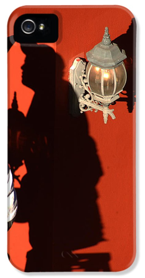 New Orleans Louisiana IPhone 5 / 5s Case featuring the photograph Shadow Painter by Greg and Chrystal Mimbs