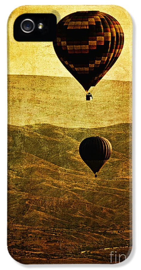 Hot IPhone 5 / 5s Case featuring the photograph Soaring Heights by Andrew Paranavitana