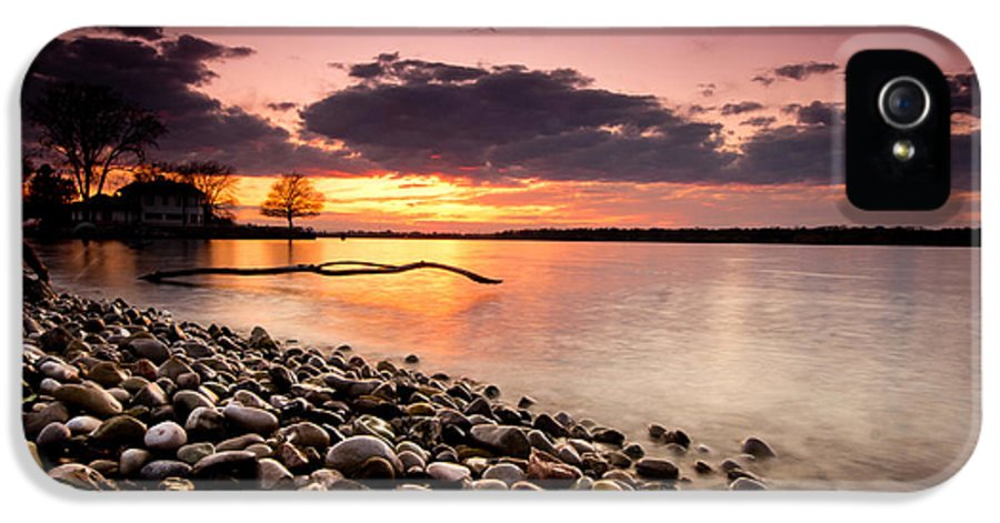 Sunset IPhone 5 / 5s Case featuring the photograph Sunset On The Rocks by Cale Best