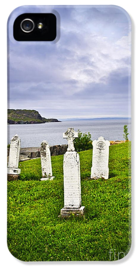 Graveyard IPhone 5 / 5s Case featuring the photograph Tombstones Near Atlantic Coast In Newfoundland by Elena Elisseeva