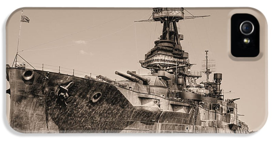 Battleship IPhone 5 / 5s Case featuring the photograph Uss Texas Bw by JC Findley