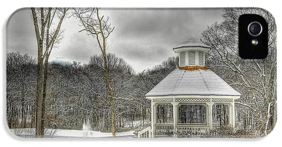 Gazebo IPhone 5 / 5s Case featuring the photograph Warm Gazebo On A Cold Day by Brett Engle