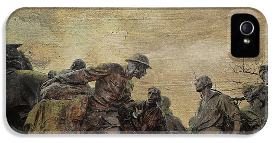Bronze Sculpture By Gutzon Borglum IPhone 5 / 5s Case featuring the photograph Wars Of America by Paul Ward