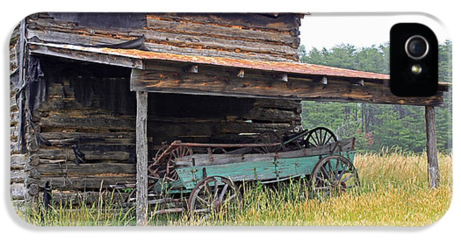 Barn IPhone 5 / 5s Case featuring the photograph Another Time by Suzanne Gaff