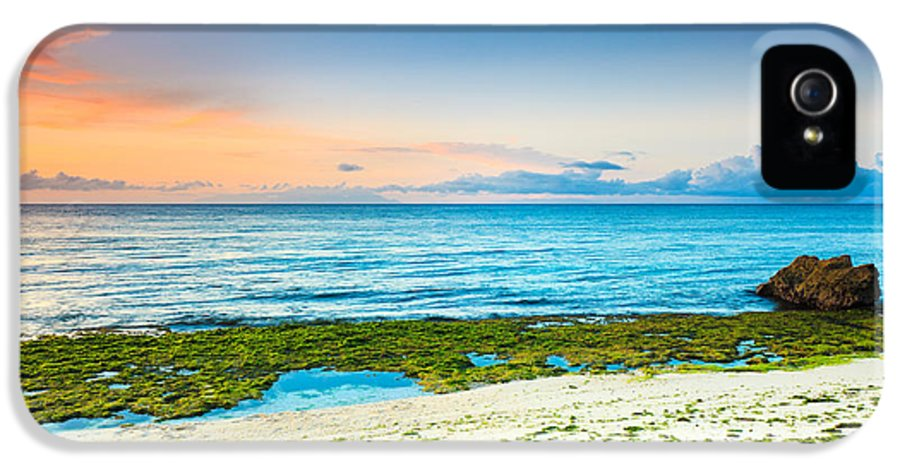 Beach IPhone 5 / 5s Case featuring the photograph Sunrise by MotHaiBaPhoto Prints