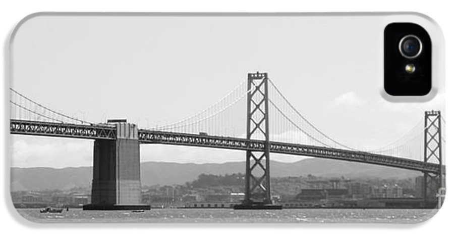 San Francisco IPhone 5 / 5s Case featuring the photograph Bay Bridge In Black And White by Carol Groenen