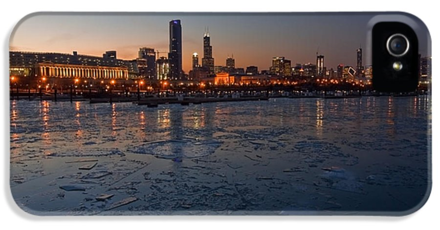 Chicago IPhone 5 / 5s Case featuring the photograph Chicago Skyline At Dusk by Sven Brogren
