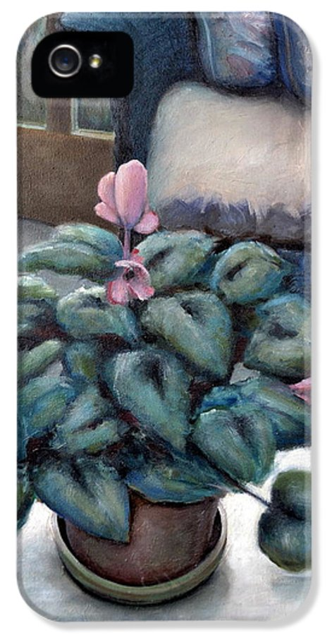Cyclamen IPhone 5 / 5s Case featuring the painting Cyclamen And Wicker by Michelle Calkins
