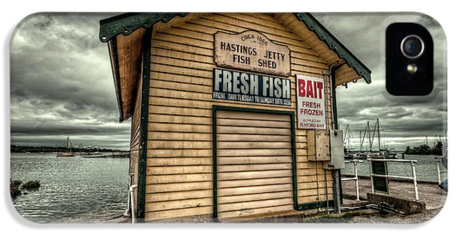 Hastings IPhone 5 / 5s Case featuring the photograph Fish Shed by Wayne Sherriff