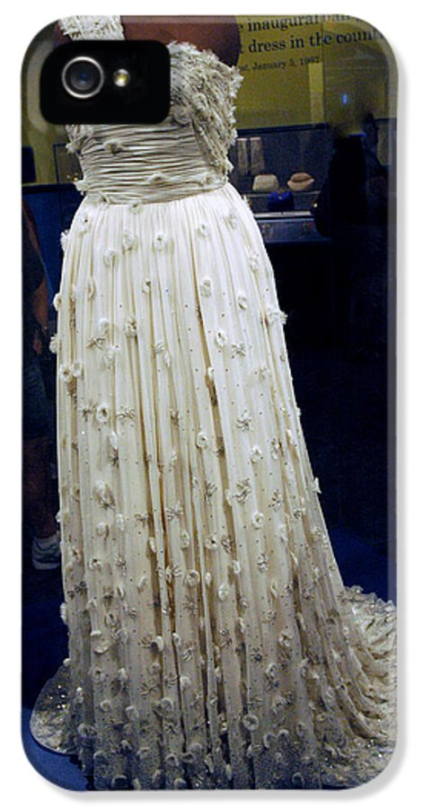 Usa IPhone 5 / 5s Case featuring the photograph Inaugural Gown On Display by LeeAnn McLaneGoetz McLaneGoetzStudioLLCcom