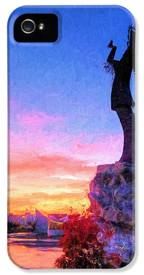 Keeper Of The Plains IPhone 5 / 5s Case featuring the photograph Keeper Of The Plains by JC Findley