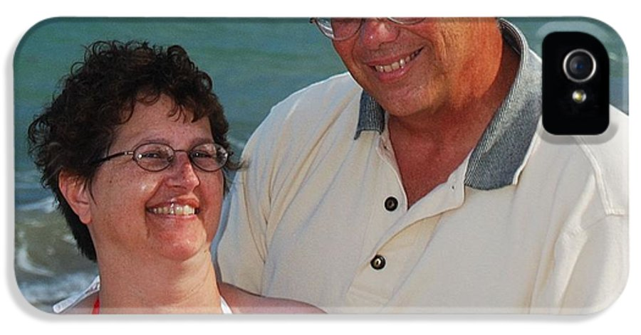 Michael Peychich IPhone 5 / 5s Case featuring the photograph Michael Peychich And His Sweetheart by Michael Peychich